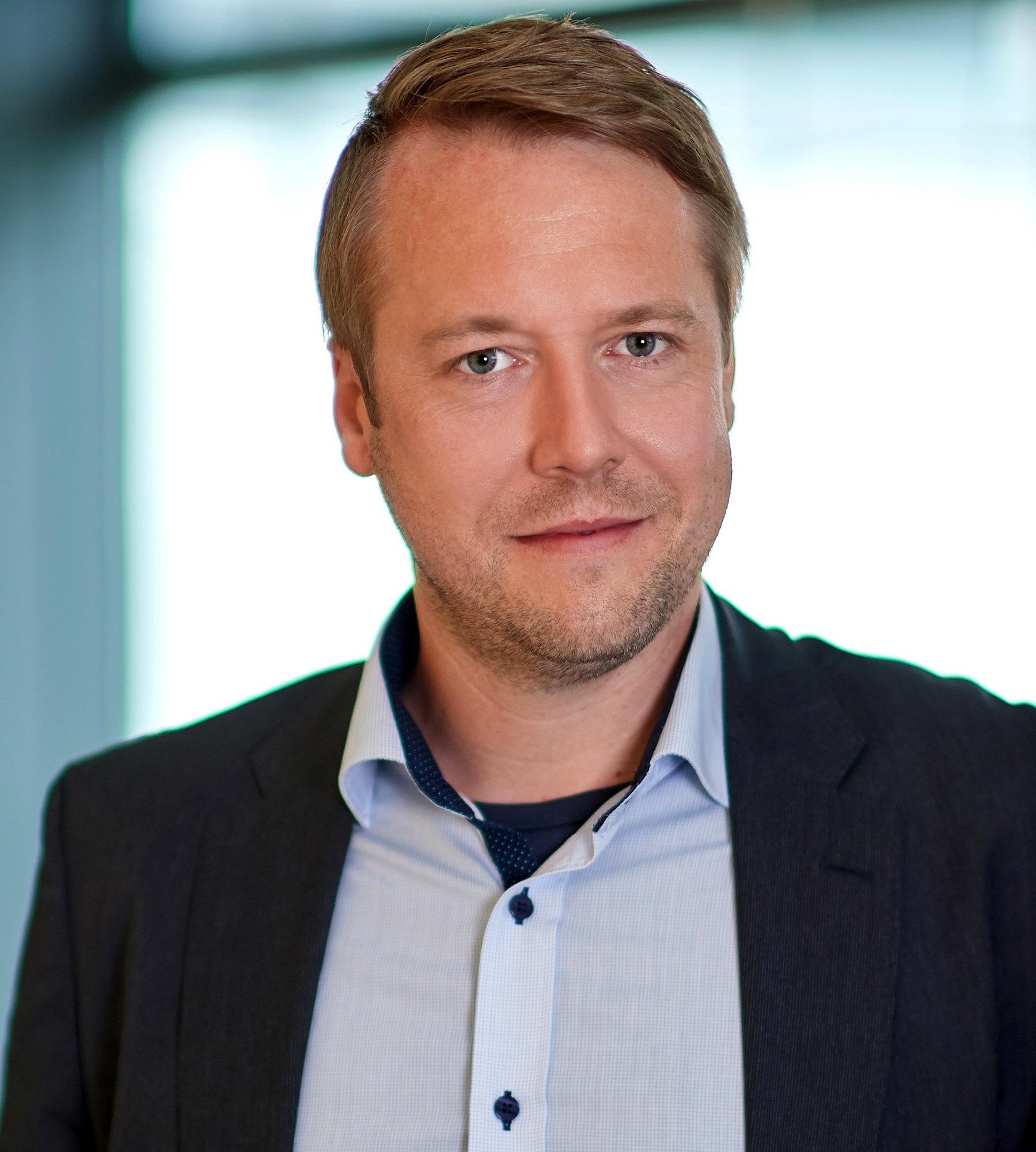 Dr. habil. Tassilo Schuster